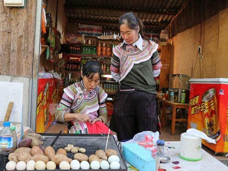 Selling eggs in China