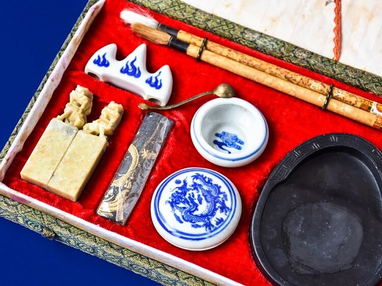 Chinese calligraphy set souvenir