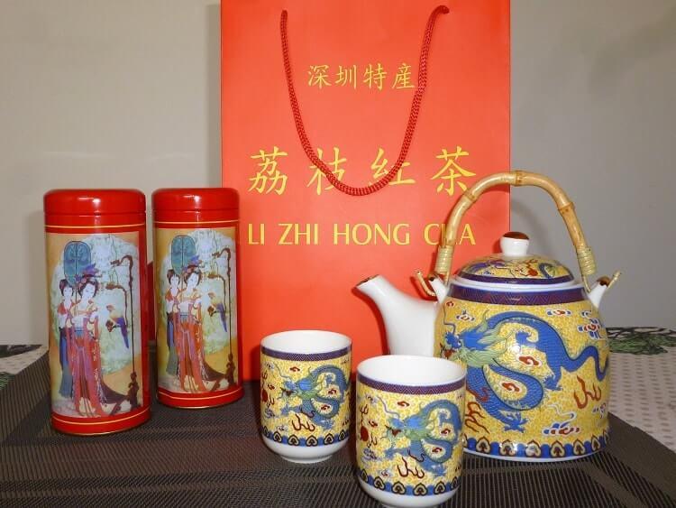 Chinese teapot set and tea
