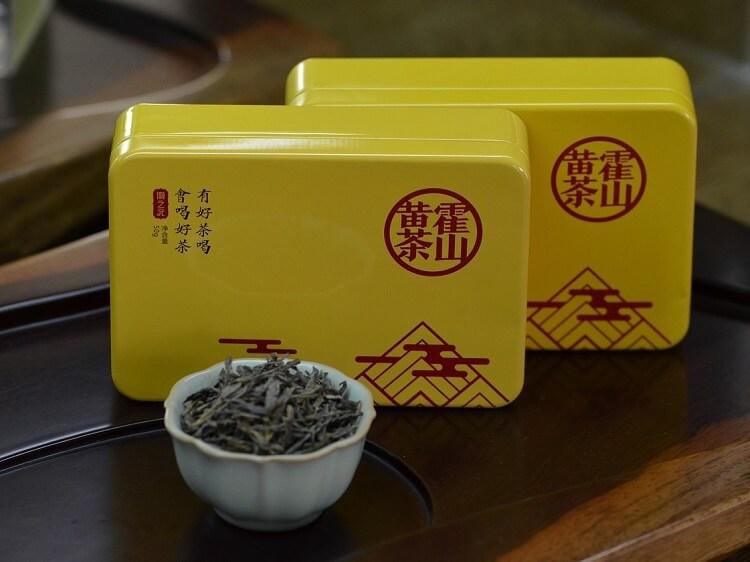 Chinese tea in souvenir tins