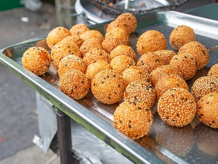 Sesame balls for sale in China