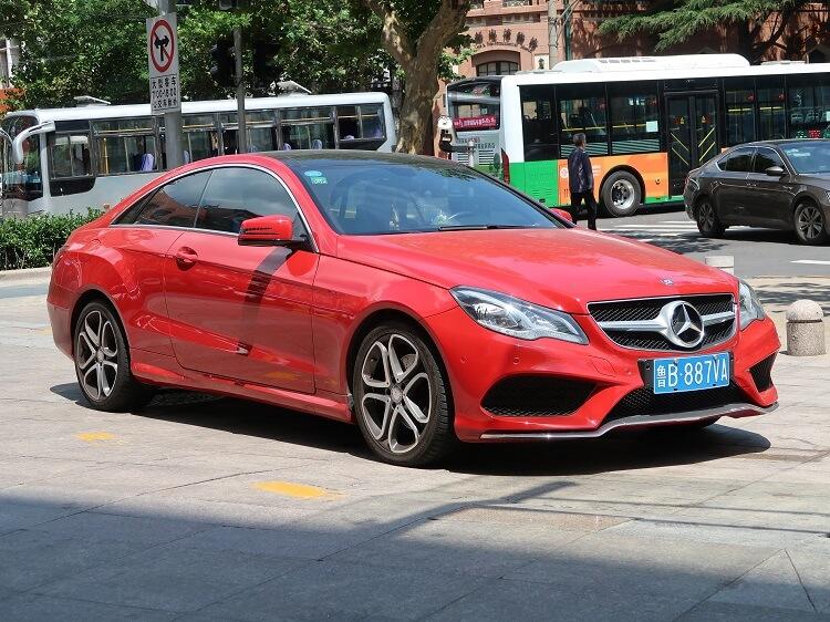 Luxury cars impress Chinese girls
