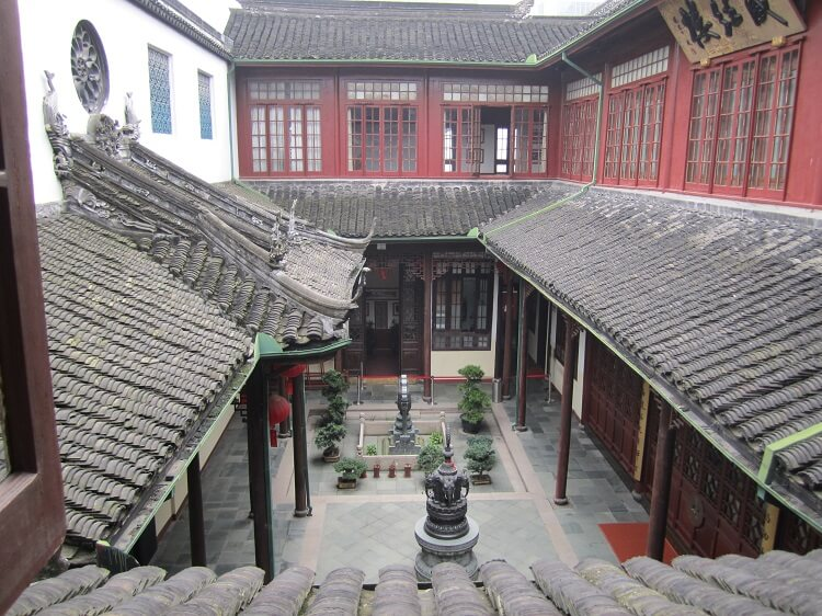 Jade Buddha Temple Courtyard