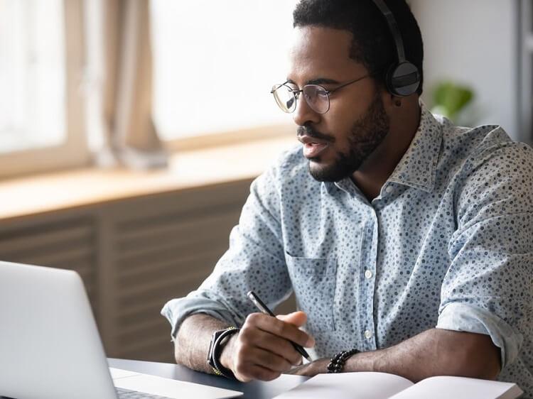 Man doing online TEFL course